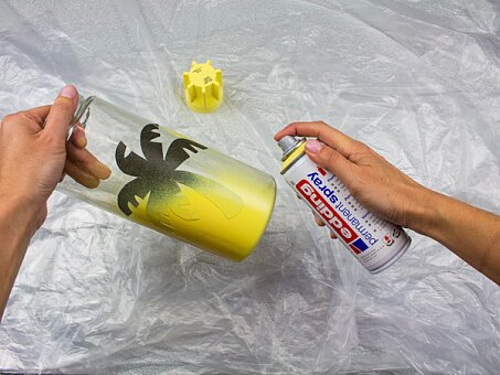 Obrázek produktu Akrylový sprej Edding 5200 žlutá matná 905