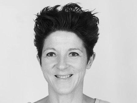 Lora Zingg