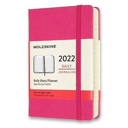 Obrázek produktu Moleskine 2022 - diář v tvrdých deskách - velikost S, denní, tmavě růžový