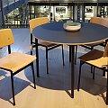 Muuto židle Loft černé podnoží, sedák dub