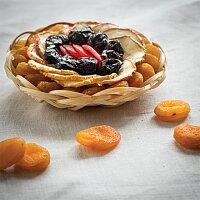 Miska plná sušených plodů