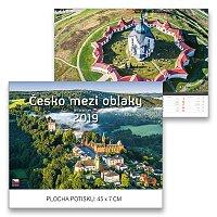Nástěnný obrázkový kalendář Česko mezi oblaky