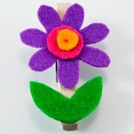 Rozkvetlé kolíčky z filcového papíru