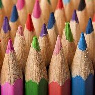 Test dřevěných pastelek